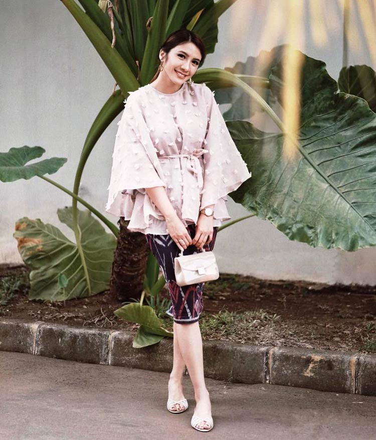 model kebaya modern non brokat