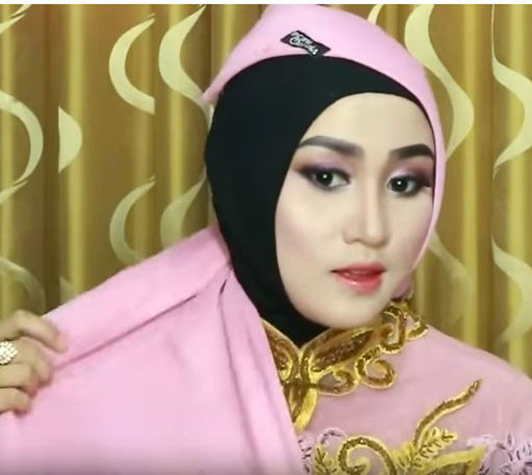 download tutorial hijab wisuda