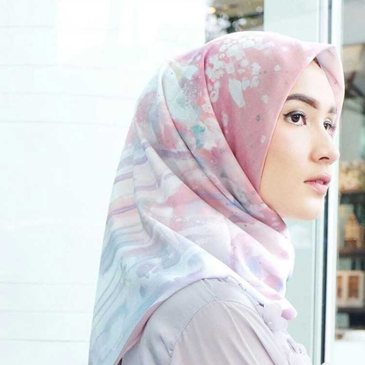 vanilla hijab female daily