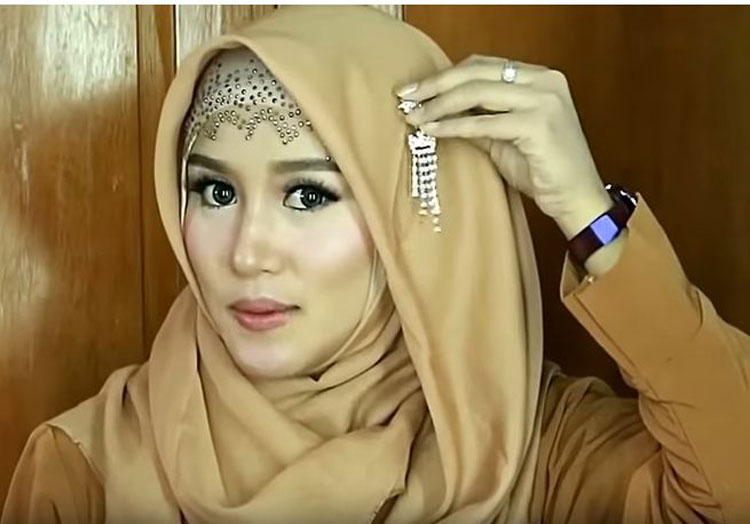 tutorial hijab pesta dua lapis