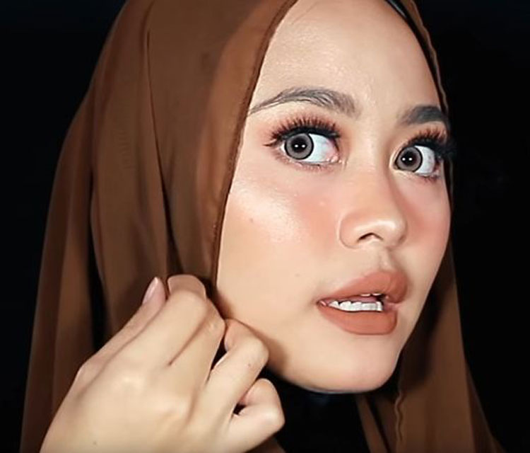 tutorial hijab pashmina wisuda simple