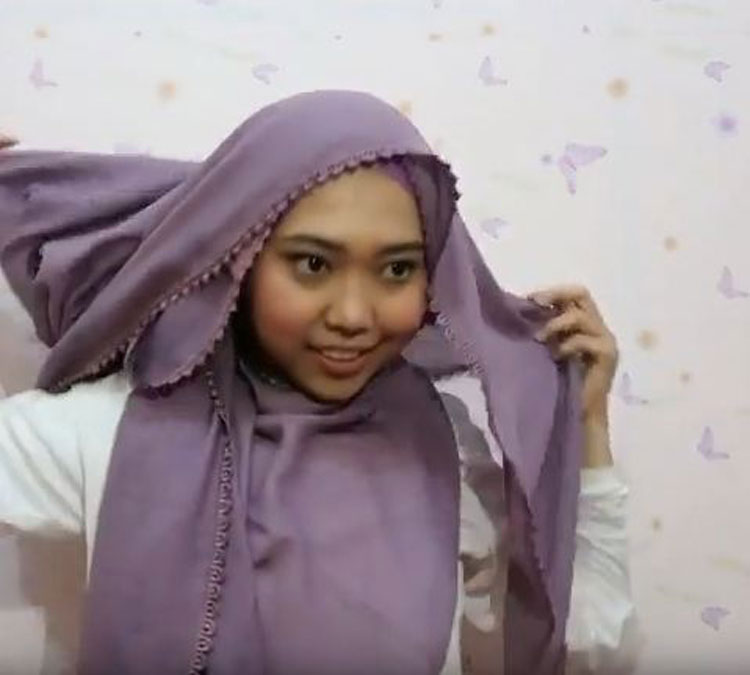 tutorial hijab pashmina pakai anting