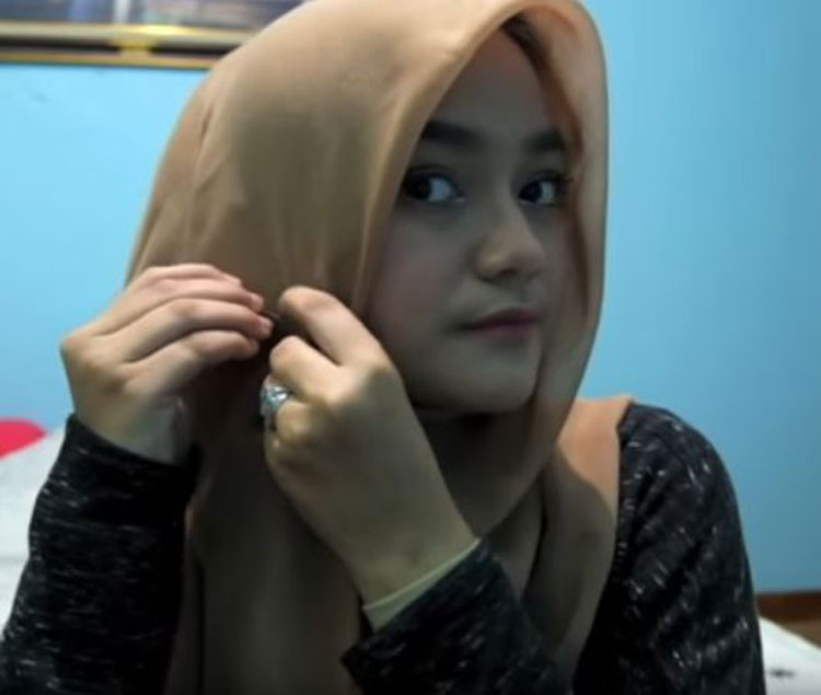tutorial hijab pashmina simple sehari hari