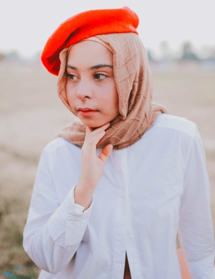 woman in hijab photography