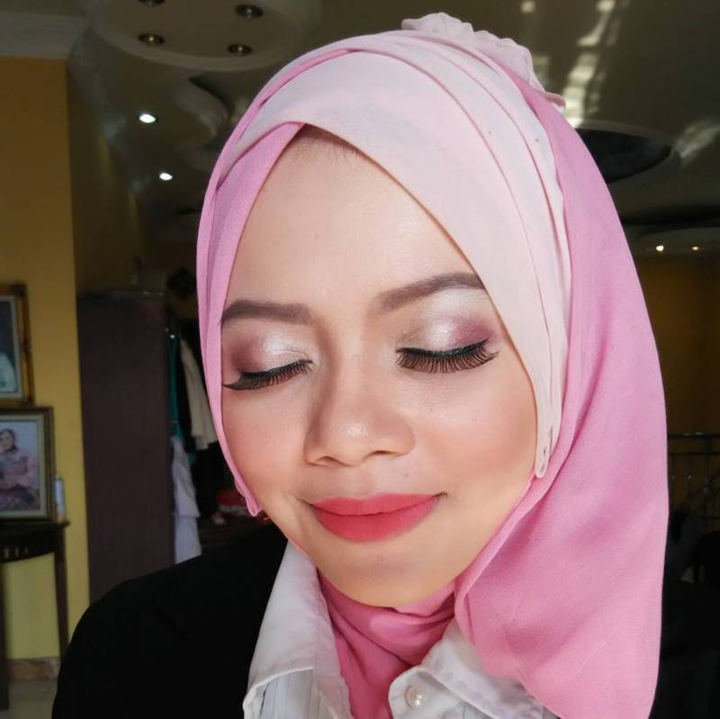 tutorial hijab wisuda layer