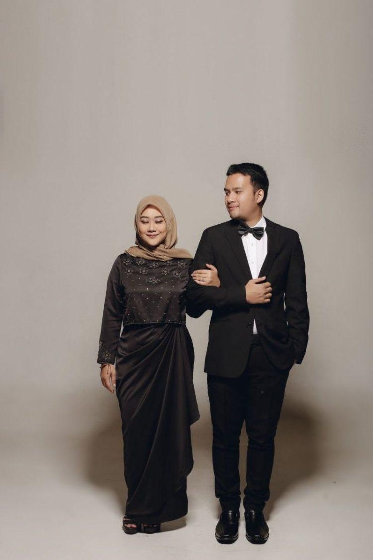 prewedding gaun hitam hijab