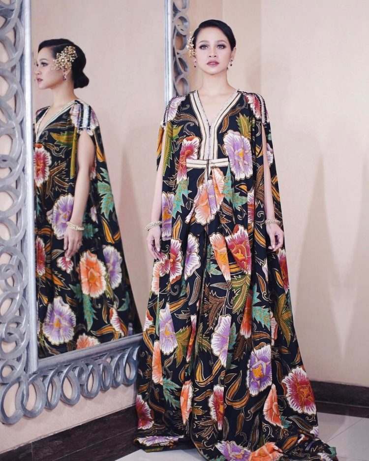 model long dress batik lucu