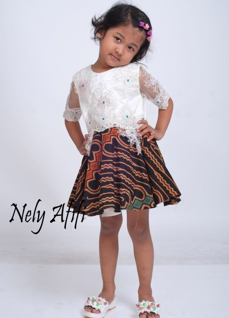 dress pesta anak elegan