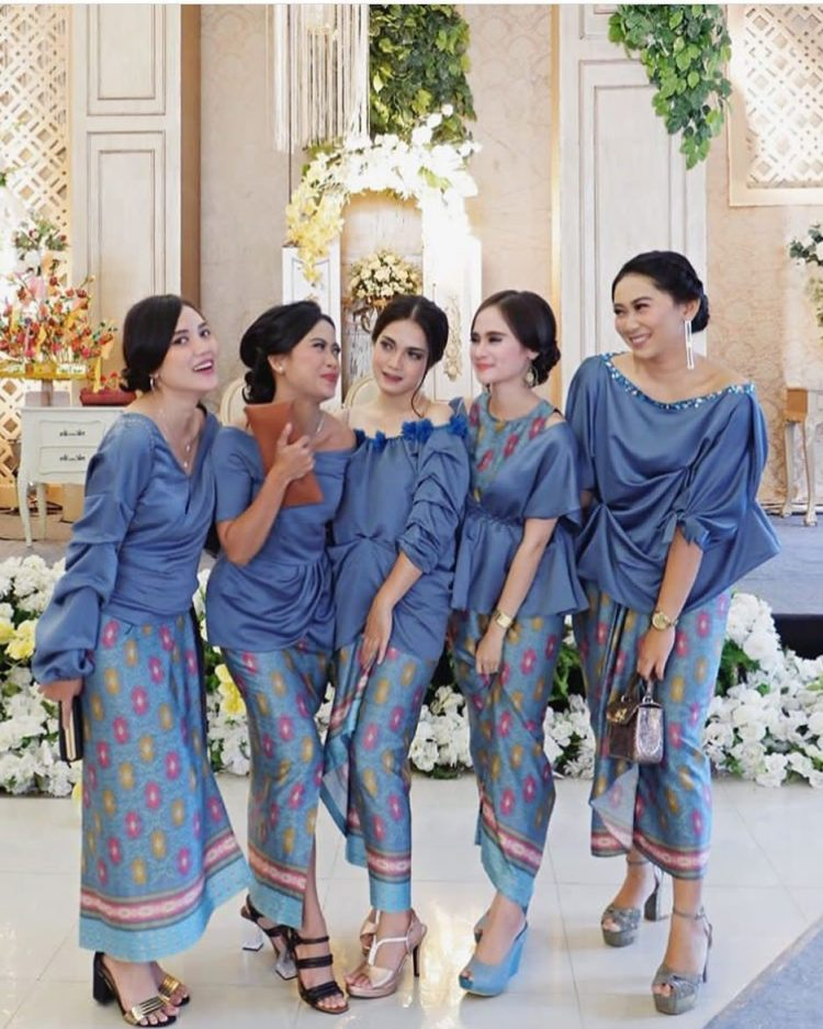 kebaya bridesmaid modern
