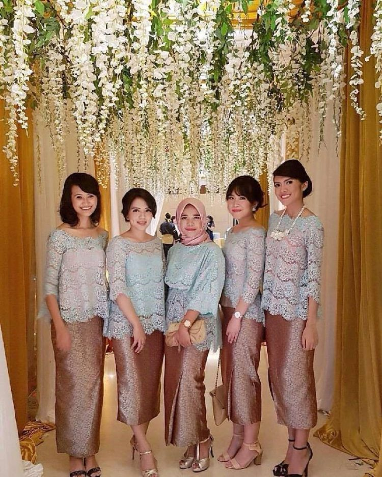 kebaya brokat bridesmaid
