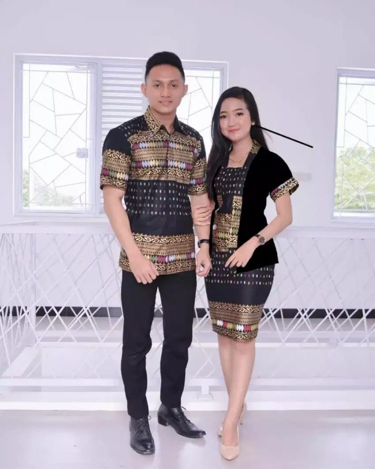 kebaya encim couple