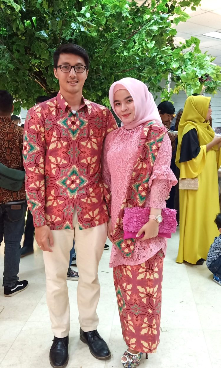 kebaya embos couple
