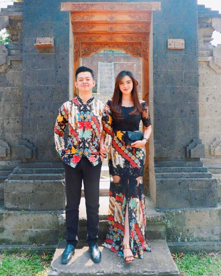 kebaya perpisahan couple