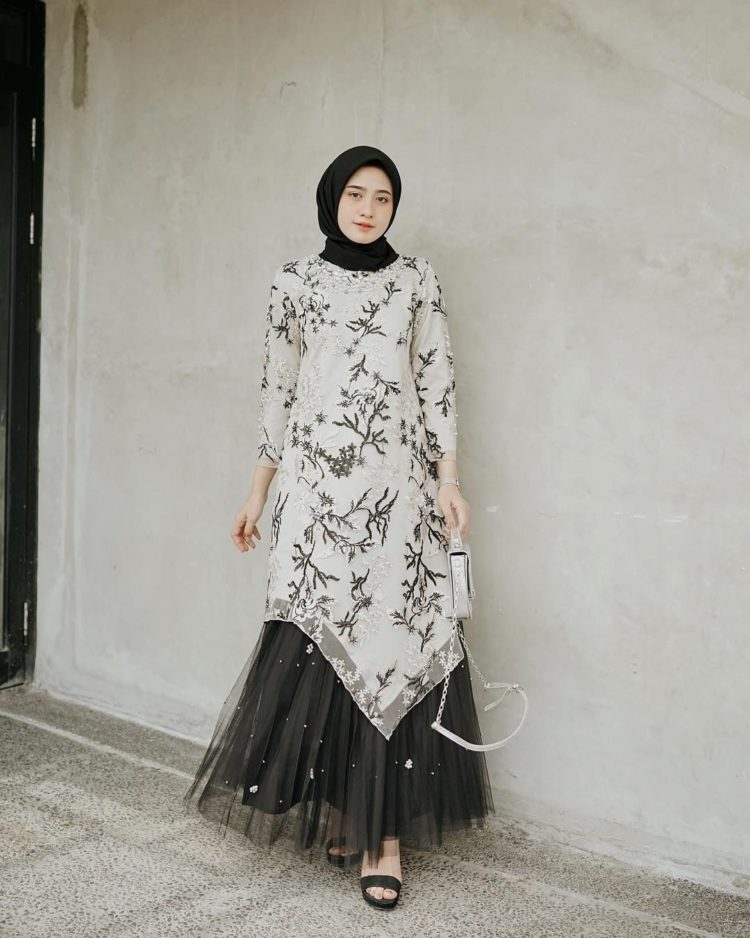 gambar long dress batik terbaru