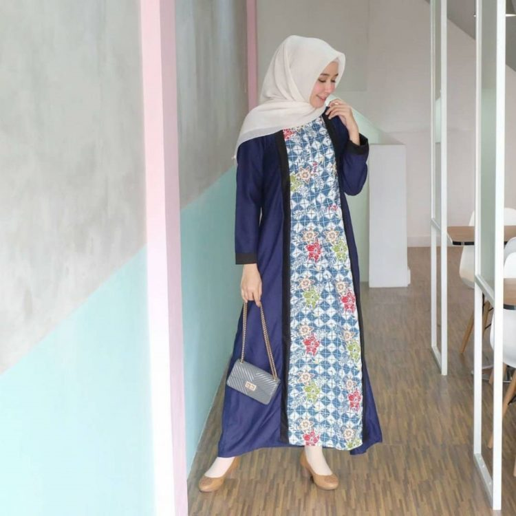 model long dress batik gambar
