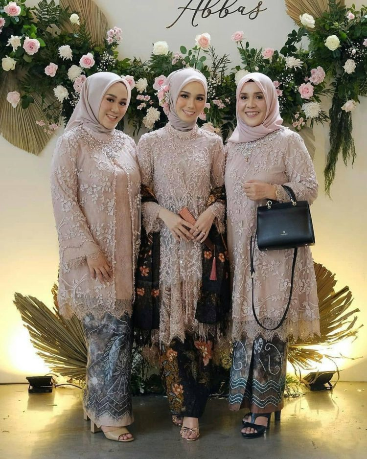 sewa kebaya bridesmaid